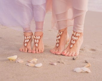 Flower Girl Barefoot Sandals- Mommy and Me Outfits- Beach Wedding Sandals- Mom & Me Sandal- Seashell Sandals- Foot Jewelry- Flower Girl Gift
