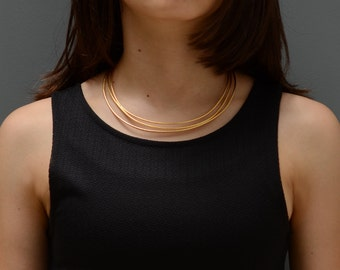 short wire necklace, short gold necklace, gold bib necklace, wire bib necklace, minimal short necklace, modern bib necklace, gold necklace