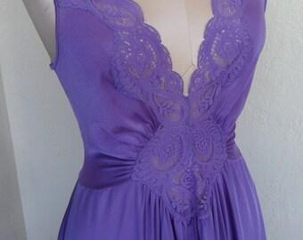 Vintage Olga Nightgown Purple Stretch Bodice Large Sweep 92280