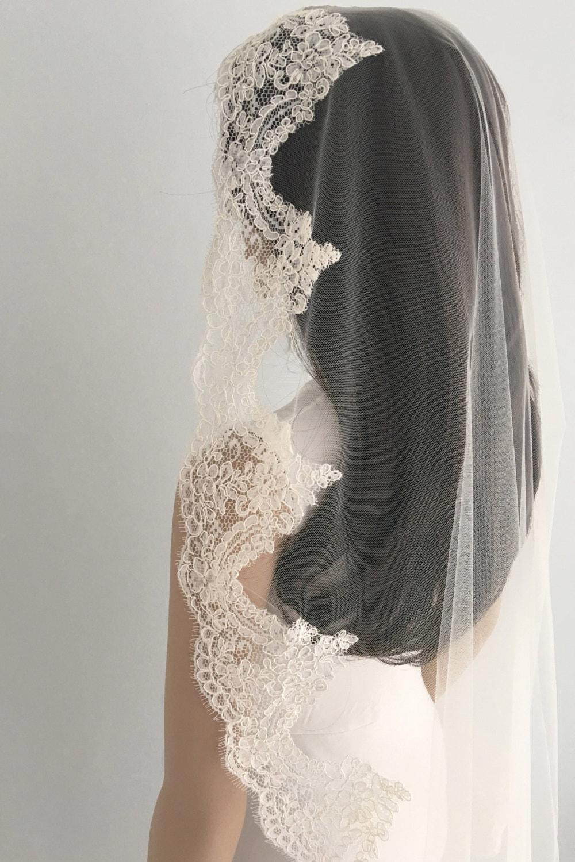 Mantilla lace wedding veil Mantilla Wedding Veil Mantilla