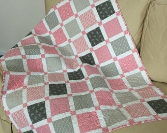 BABY QUILT in pink and gray