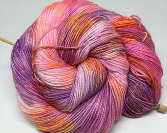 curve - Hand Dyed Yarn - Twisted Spark Sock - Superwash 75/20/5 Merino Nylon Stellina - {curve}