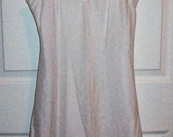 Vintage Ladies White Slip w/ Eyelet Lace Trim by Lorraine Size 36 Only 5 USD