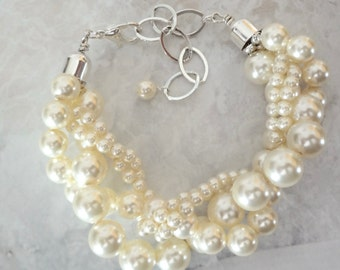 Chunky pearl bracelet - Twisted - Swarovski pearls ~ Brides bracelet - 4 strand - Pearl statement bracelet ~ Wedding bracelet ~