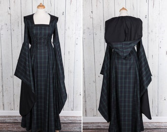 Long Tartan Medieval style dress, long wide sleeves, laced on front and back