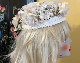 Vintage Pillbox Hat Flowers White Lace Roses Rosebud Hydrangea Mid Century 1950 Spring Summer Straw Wedding