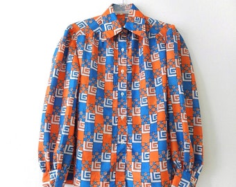1970s GUY LAROCHE Blouse - Geometric Pattern Blouse - 70s Mod Top Guy Laroche Paris - Op Art Mod Blouse - Orange White Blue - Logo Print