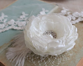 Bridal Wedding Hair Flower Bridal Flower Hair Clip Light Ivory Wedding Hair Accessory Veil Bridal Hairpiece Feathers Fascinator Hair Clip