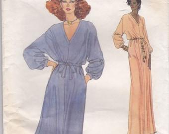 70s V-Neck Dress Pattern Vogue 7141 Size 12