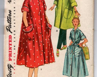 """1950's Simplicity Robe in Two Lengths Pattern - Bust 30"""" - No. 4471"""