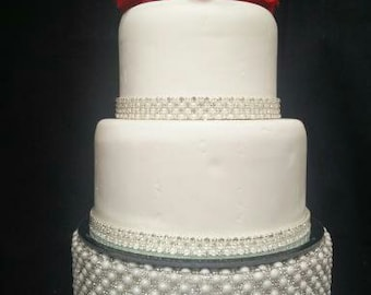 bling wedding cake stand with pearls vintage inspired pearl amp design wedding cake stand 11935