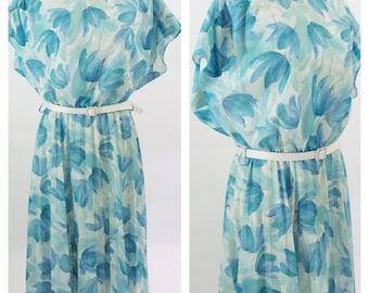 Vintage 1980s Sweet Light Blue Tulip Dress - Casual Summer Daydress - Pleated Breezy Blue dress Large to XLarge
