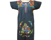 vintage 1970s floral embroidered dress / gray / cotton blend / traditional Mexican dress / folk dress / women's vintage dress / size medium