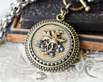Antique Button Necklace, Sommelier gifts, Wine lovers Jewelry, Toggle Necklace, Steel Cut Victorian Button, Upcycled Jewelry veryDonna
