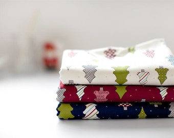 Christmas Trees Oxford Cotton Fabric - Ivory, Red or Navy - By the Yard 83332