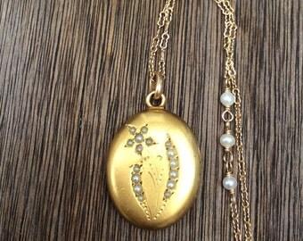 Antique Edwardian Seed Pearl Flower Locket Necklace
