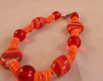 Red and orange chunky beaded bracelet,heishi shell bracelet,glass bracelet