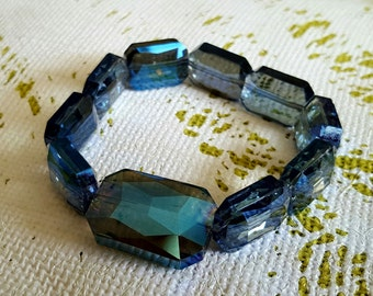 BRACELET: Elegant Brilliant Blue Emerald Cut Crystal Beaded Stretch Bracelet