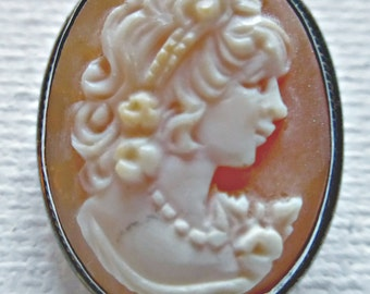 Vintage Edwardian Dainty Sterling Silver Framed Shell Hand Carved Cameo Of Maiden Pendant Brooch