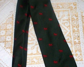 1960s Mr. John by Beau Brummell Tie  - Green with Red Lions - Polyester