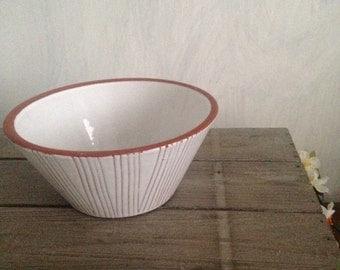 50s white flower pot