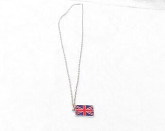 British Flag Necklace / men's jewelry / women's jewelry / teen Jewelry / England / Souvenir / United Kingdom Flag /  jewelry / women