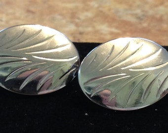 "Sara Coventry ""Wayside"" Silver Clip On Earrings 1978 Vintage"