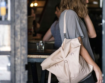 Convertible Backpack to Tote Bag - Large Blush Rolltop - Nude Vegan Faux Leather Carry All - City Vacation Bag. Sac Taschen, Minimalist