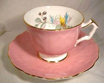 Aynsley Blackberries Pink Tea Cup and Saucer 29 Leaf Scallop Teacup