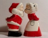 Christmas, Salt & Pepper, Decoration, 1950s Christmas, 1960s Christmas, Made in Japan, shakers, MIJ, Santa shaker, Santa Claus, shiny bright