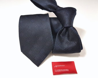 Silk Tie with Polka Dots in Marine and Midnight Navy Blue