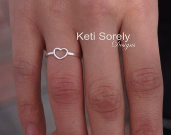 10K, 14K or 18K Solid Gold Small Heart Ring Crafted from Yellow Gold, Rose Gold or White Gold - Dainty Heart Ring