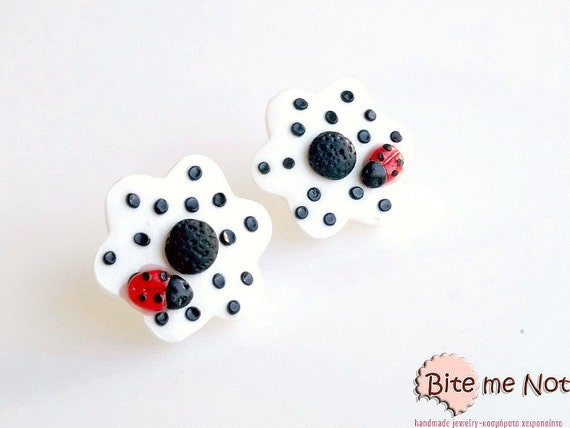 Daisy with Ladybug Stud Earrings, Spring Jewelry, Flower Studs, Spring Earrings, Easter Gift, Easter Jewelry