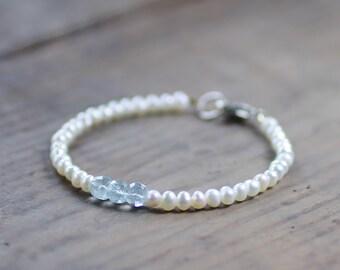 Freshwater Pearl Bracelet with Faceted Aquamarine Stones, Ivory Pale Aqua Gemstone Beaded Bracelet, Natural Pearl Jewelry, June Birthstone