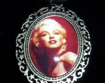 Marilyn Monroe Earrings and Matching Pendant