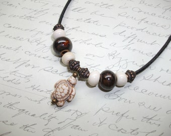 Howlite turtle leather necklace