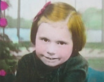 Gorgeous 1930's Innocent Little Girl Hand Tinted Studio Photo - Free Shipping