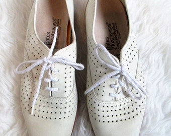 Mens Vintage BATES FLOATAWAYS Leather Perforated Lace Up Shoes Sz 9