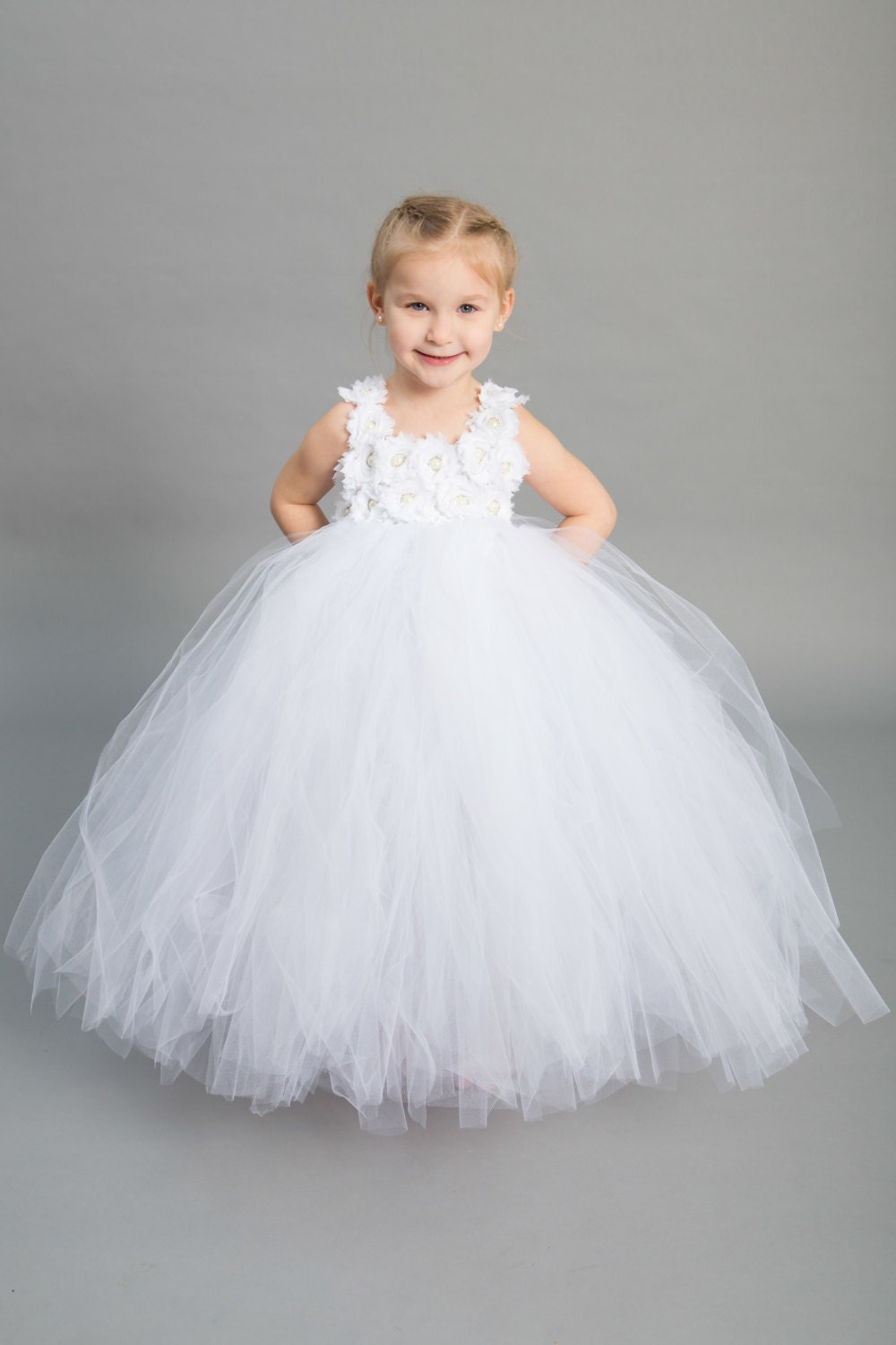 Flower girl dress Tulle flower girl dress White Dress