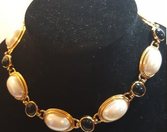 FREE  SHIPPING  Anne Klein Pearl  Gold  Necklace