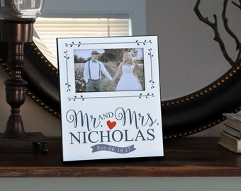 Personalized Wedding Picture Frame, Mr. & Mrs., Personalized Photo Frame, Shower Gift, Bridal Shower Gift, Wedding Gift, Just Married 101PF
