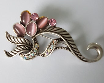 A Very Pretty 1960s brooch/ shawl pin/ scarf pin, in translucent pink shells