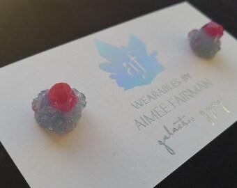 Crystal Cluster Stud Earrings (S) - magenta & pale blue