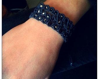 Beaded macrame bracelet/black bracelet with Czech beads/fashion-style bracelet/handmade/Μακραμε βραχιόλι με χάντρες