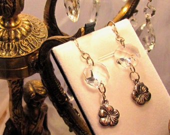 Earring with real crystal and biutiful flower