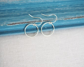 Sterling Silver Circle Earrings, Everyday Silver Earrings, Silver Hoop Earrings