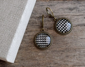 Houndstooth earrings Houndstooth jewelry, Black and white earrings, Classical pattern earrings, Retro geometric print dangle earrings GJ 081