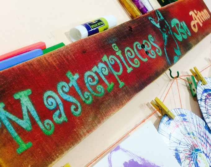 Kids art display /children's artwork hanger bedroom decor/ pallet wood signs /custom personalized name sign with colorful clothespin clips
