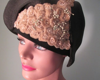 1920s Cloche Hat Gage Brothers Black Straw Velvet Flowers w/Tag
