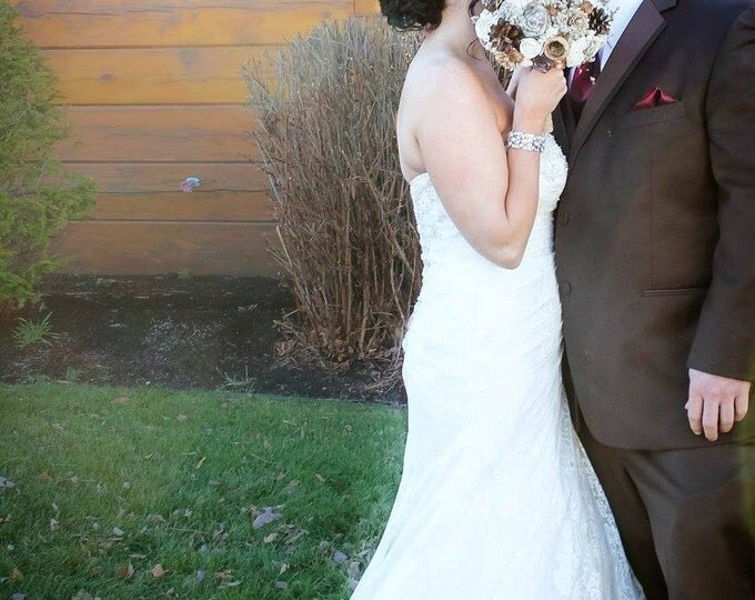 Ivory brown chocolate rustic wedding bouquet autumn fall winter woodland sola flowers limonium lotos pine cone berry Burlap lace Handle